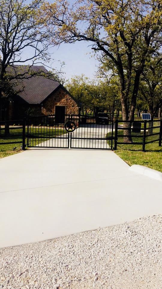 A-Southern Fence Metal Fence Installation